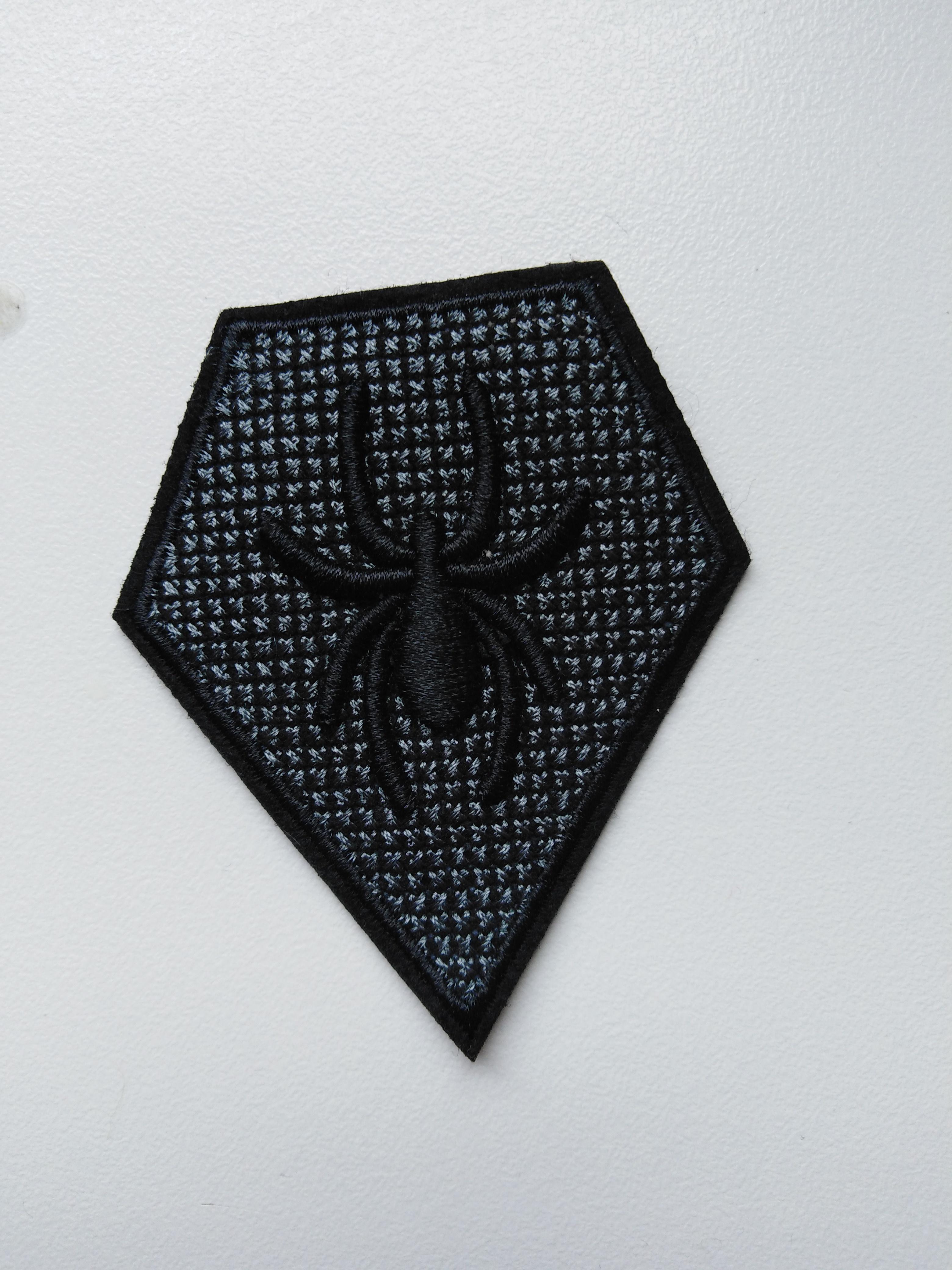 Aplikace nažehlovací pavouk 3D