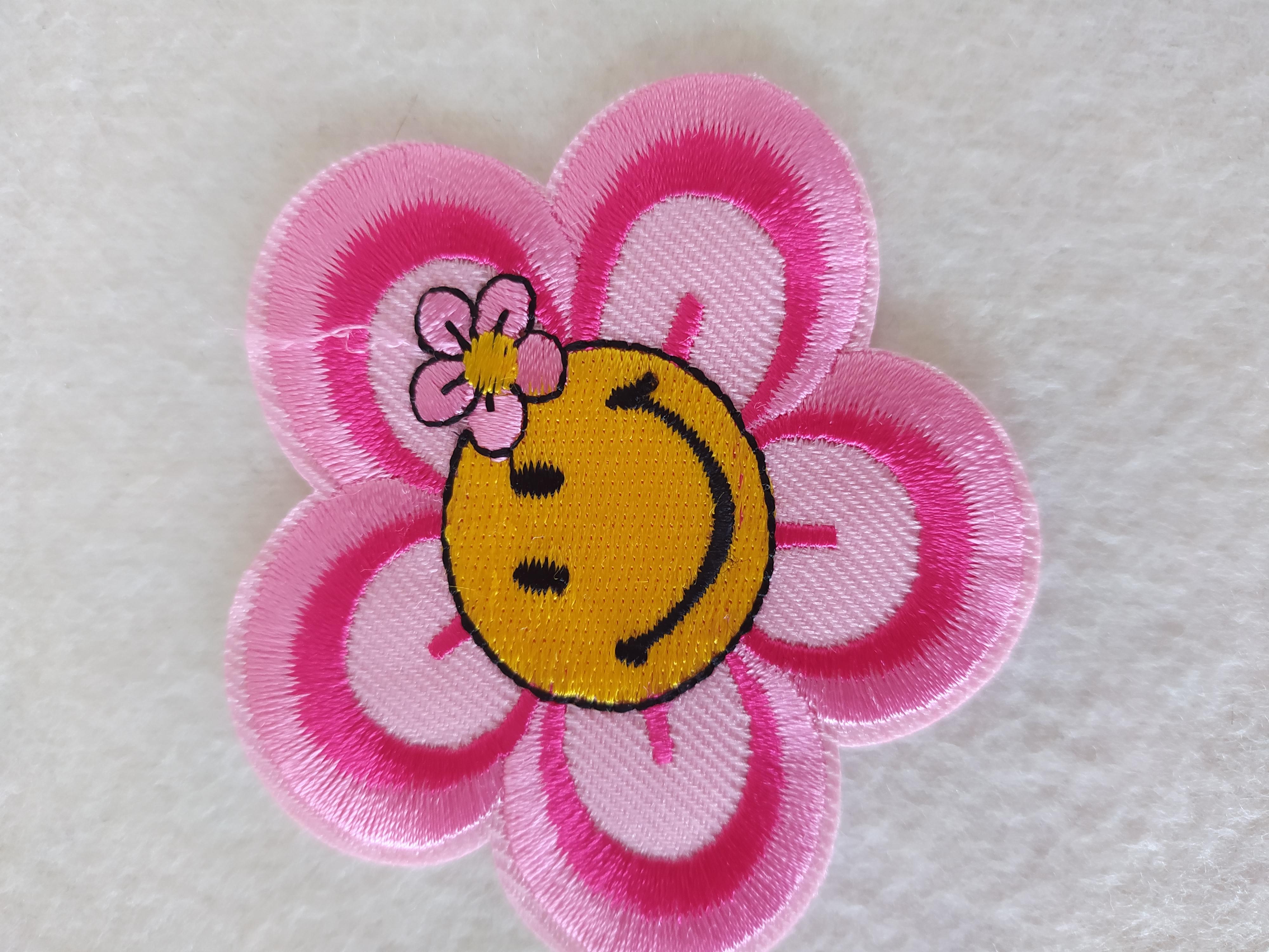 Aplikace nažehlovací kytička růžová