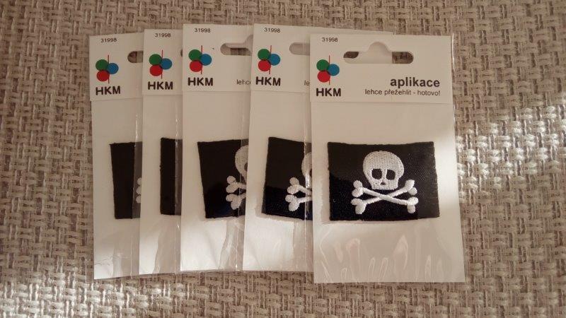 Aplikace nažehlovací - pirátská vlajka
