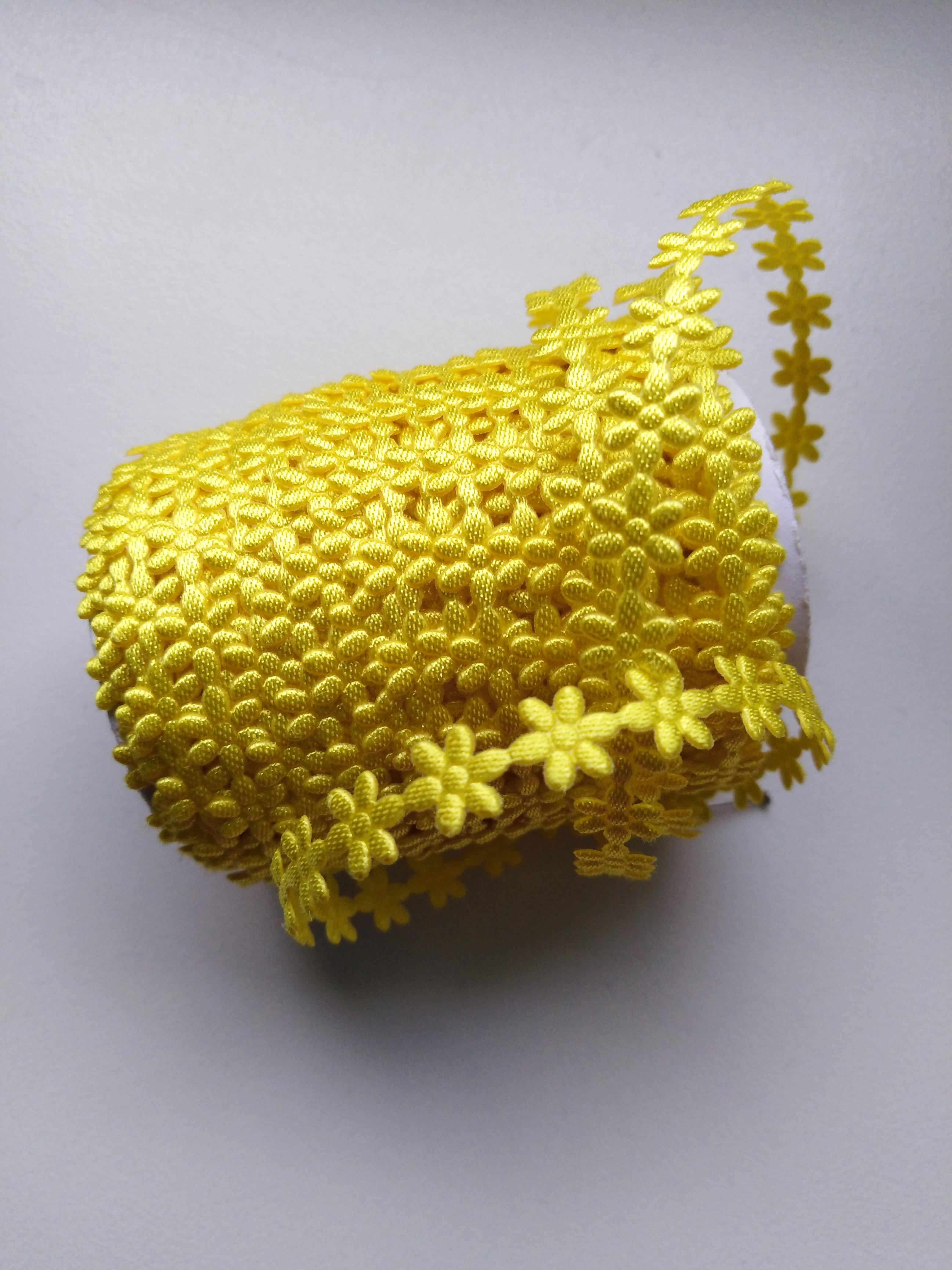 Aplikace metráž - květy malé žluté