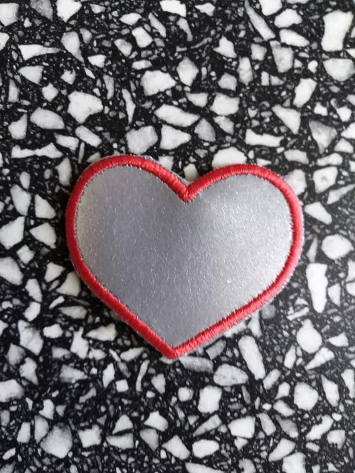 Reflexní nažehlovací aplikace - srdce