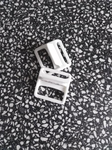 Přezka montérková 40 mm bílá