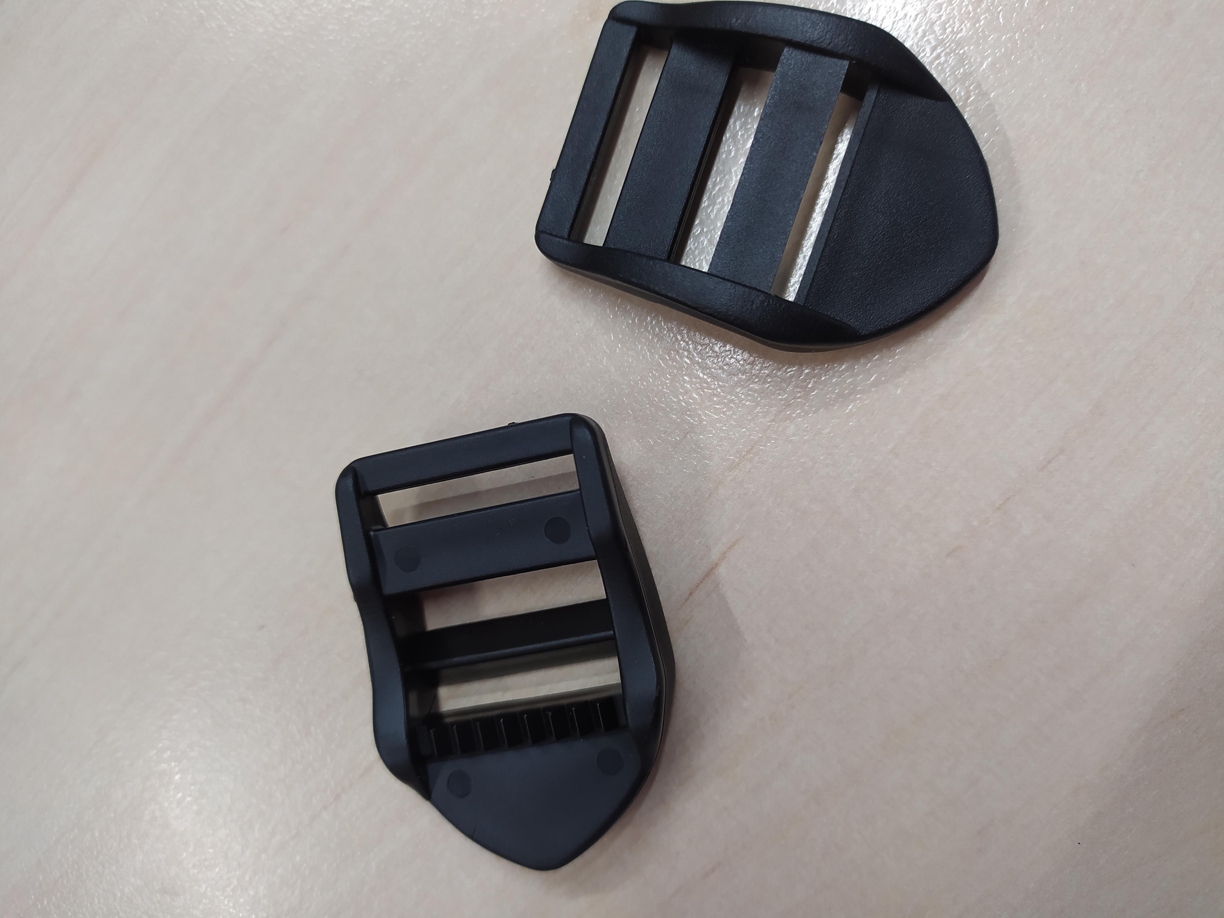 Spona žebříček 25 mm černá
