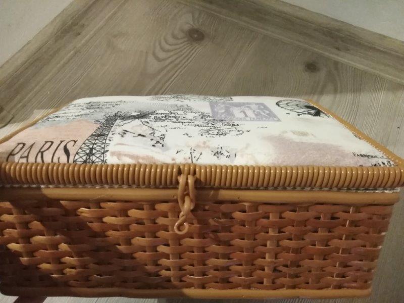 Kazeta na šití proutěná textilní Paris