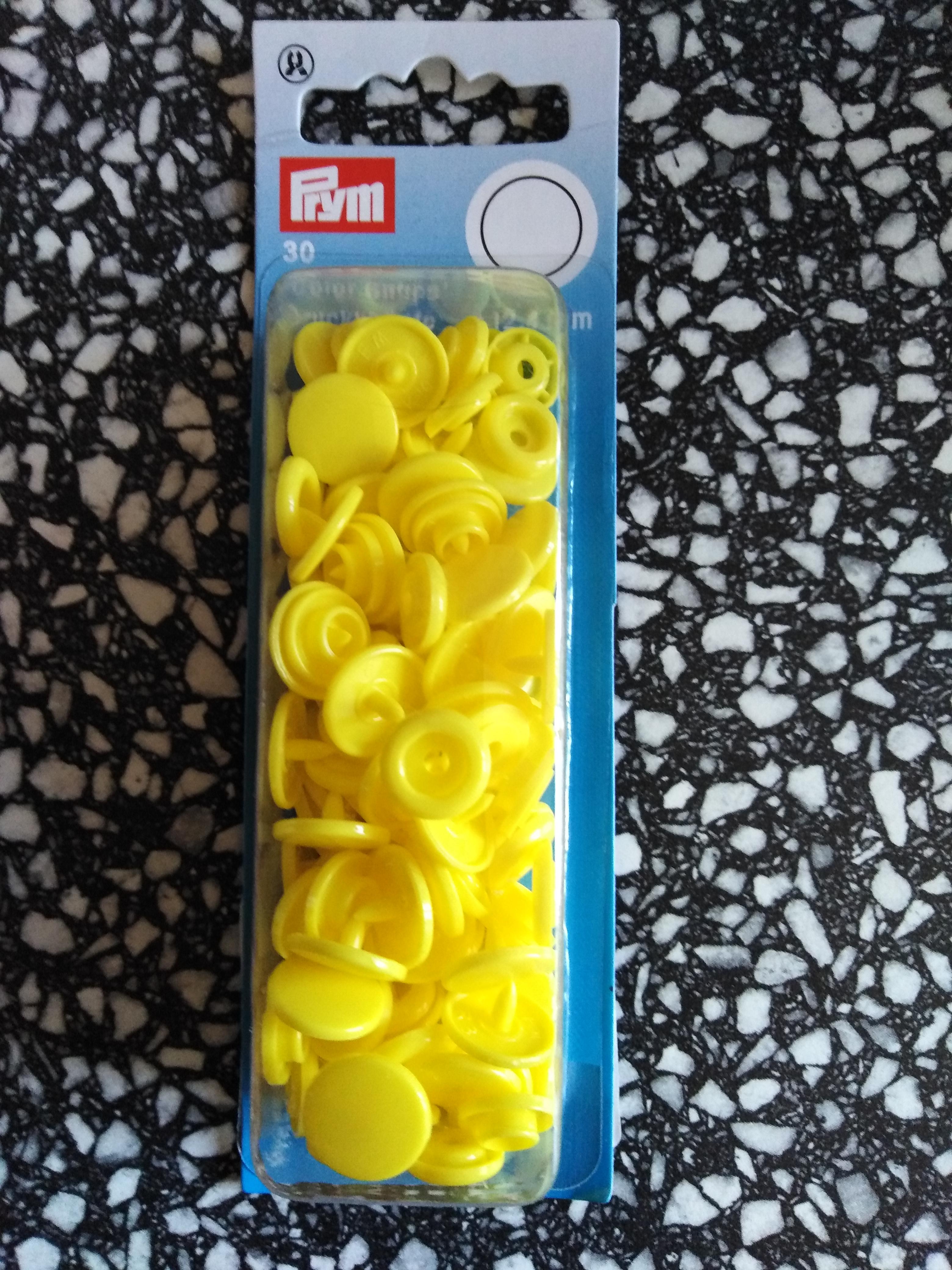 Plastové patentky kulaté žluté
