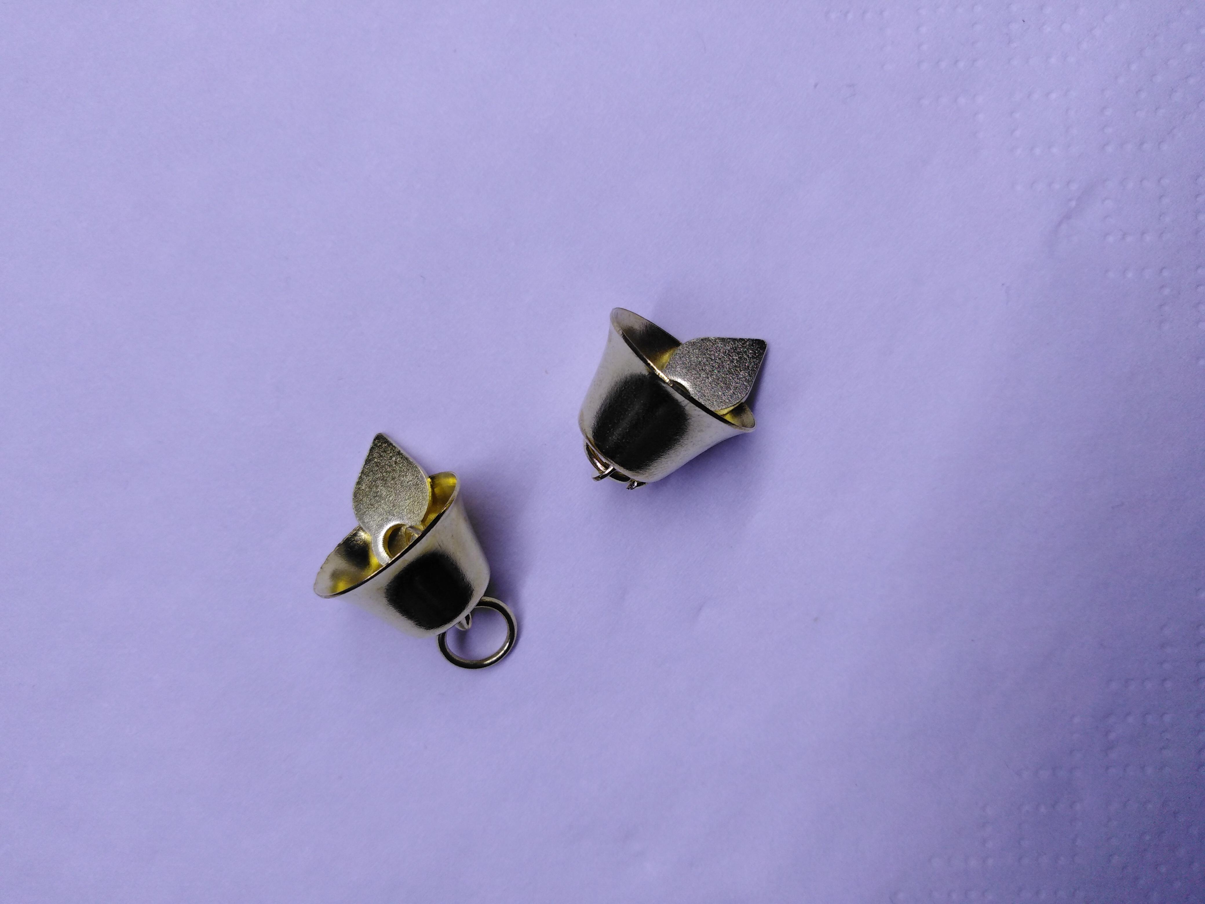 Kovový zvoneček 15 mm zlatý