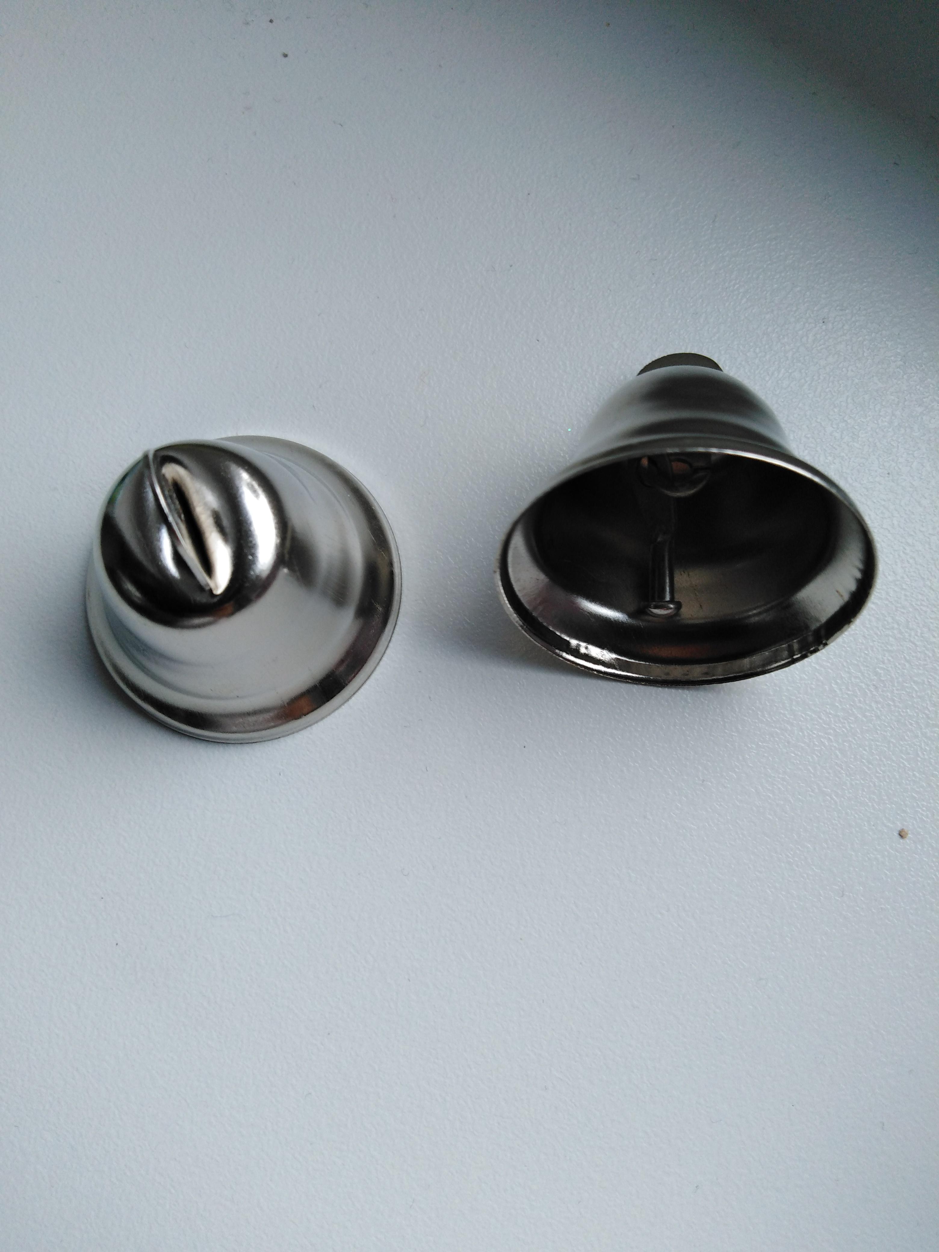 Kovový zvoneček 40 mm stříbrný
