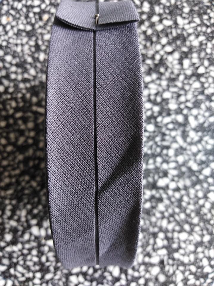 Šikmý proužek 25 mm bavlněný založený tmavě šedý
