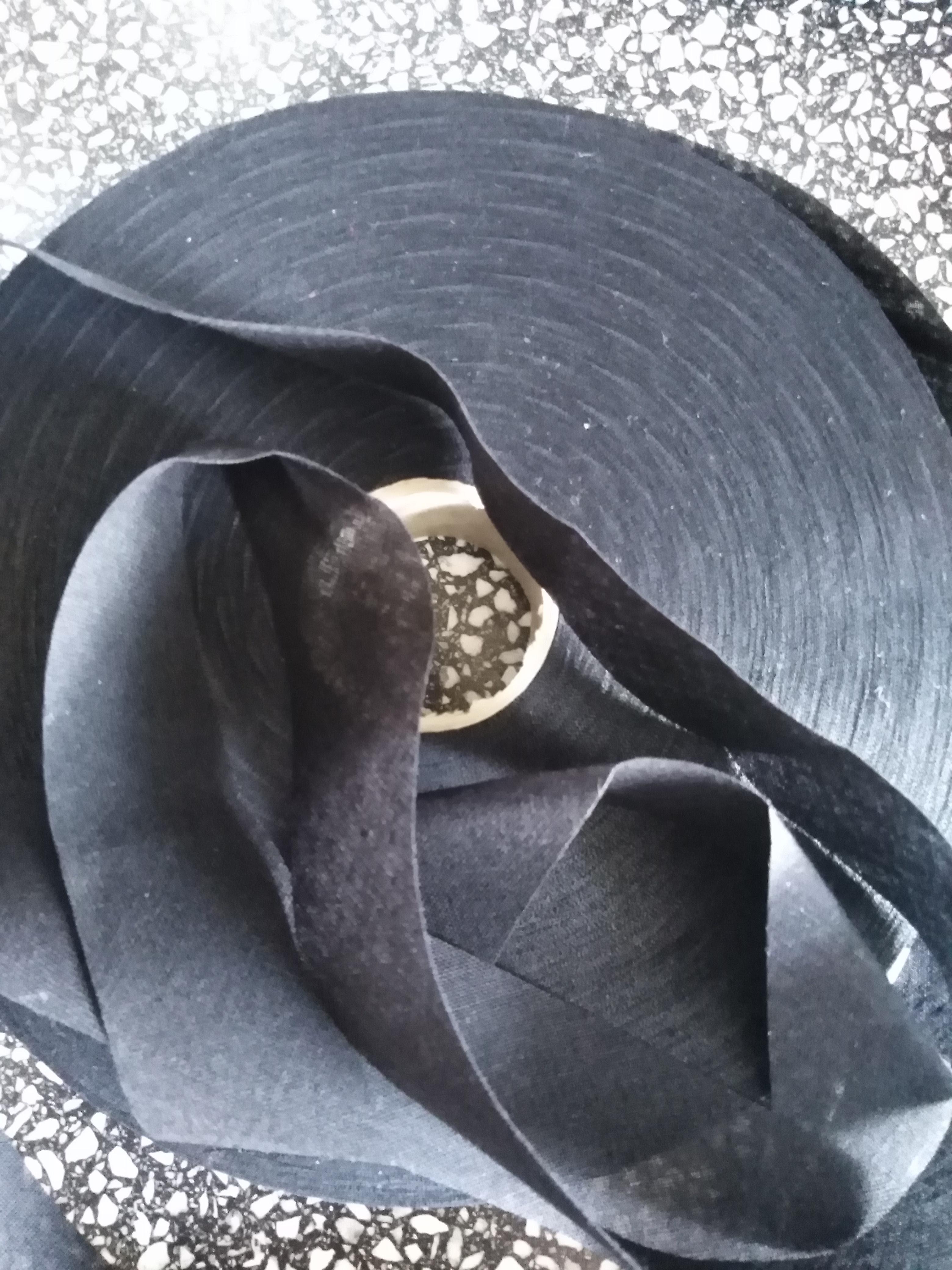 Šikmý proužek 30 mm bavlněný nezaložený černý