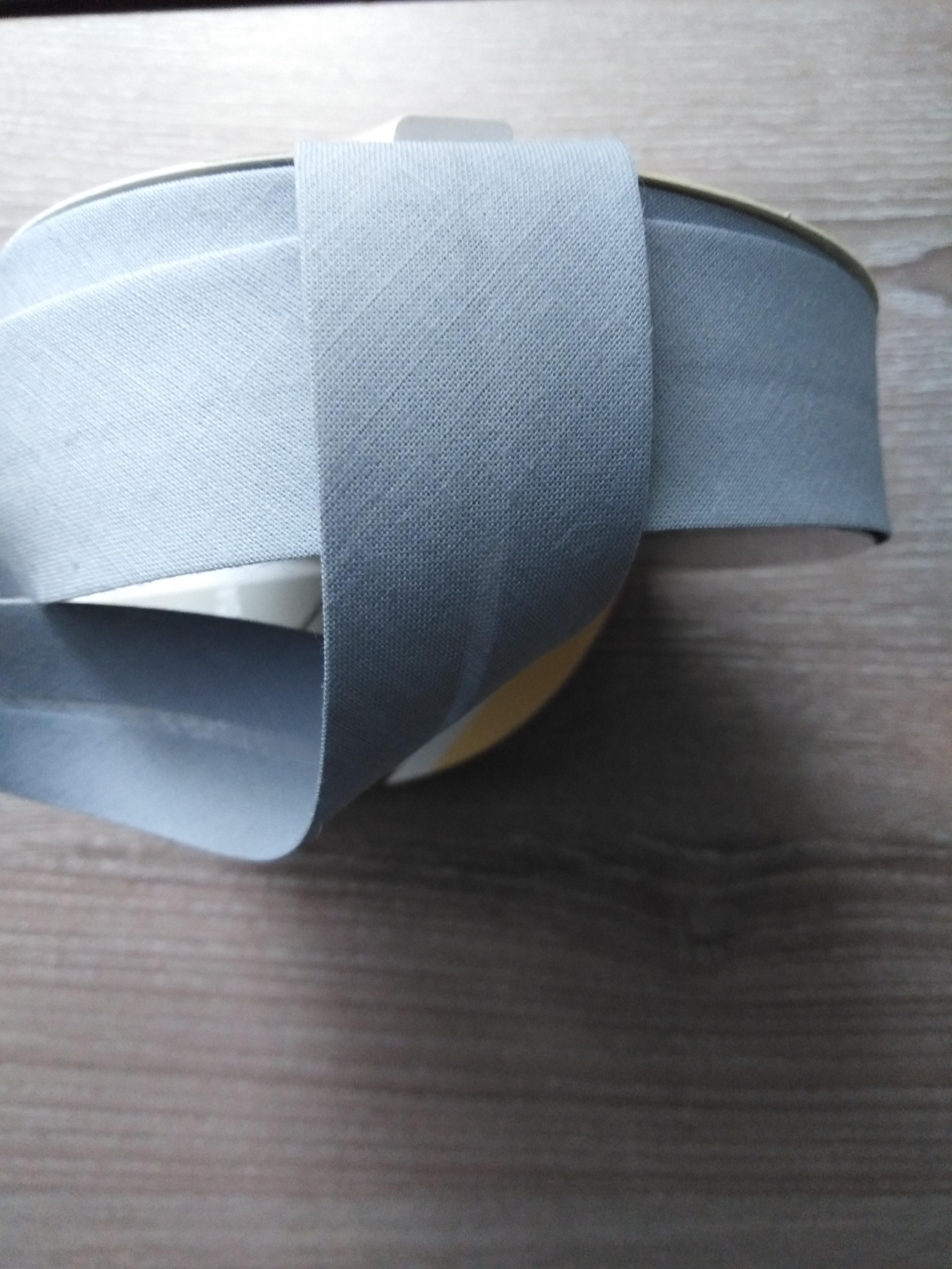 Šikmý proužek 30 mm bavlněný šedý