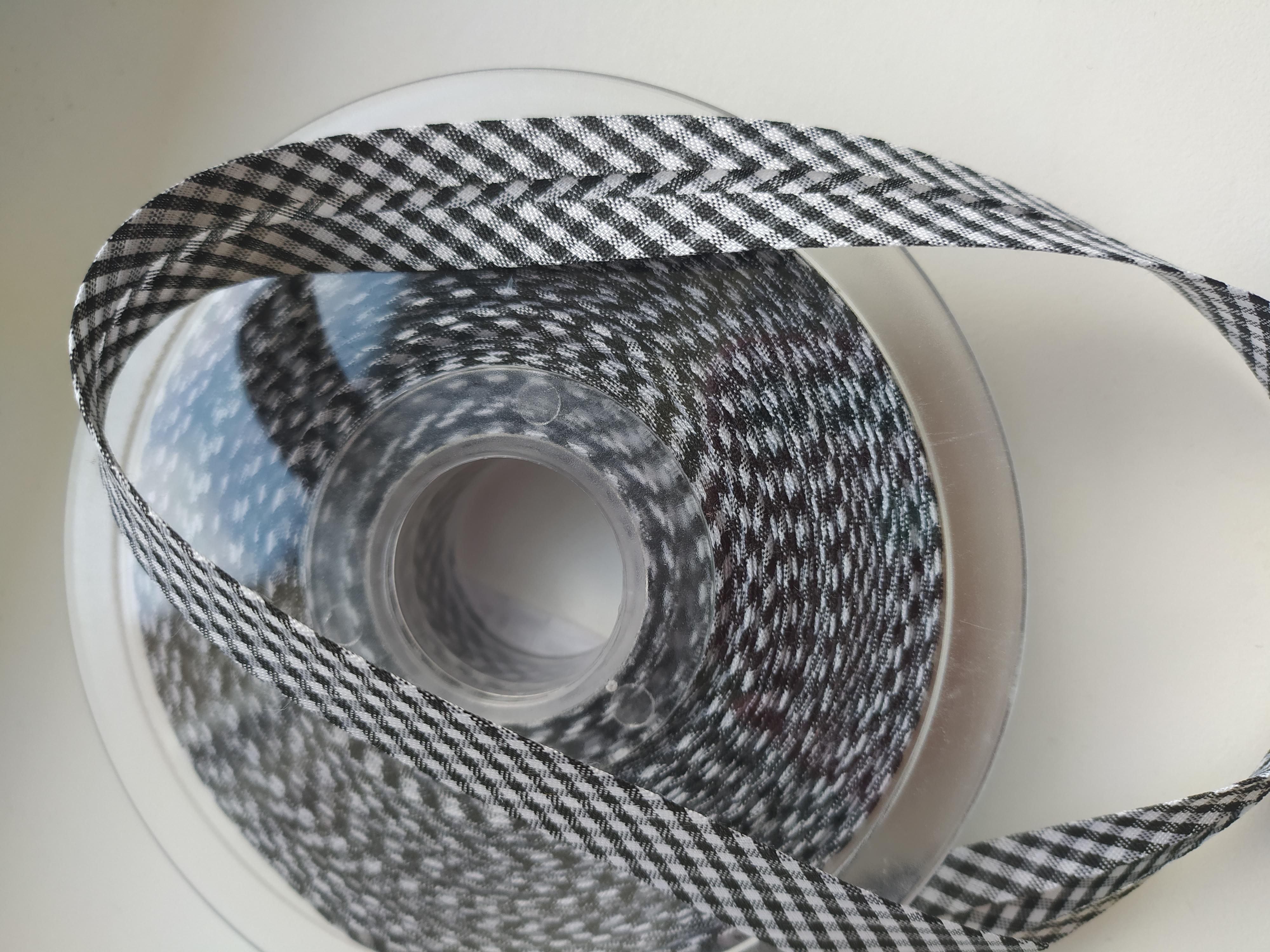 Šikmý proužek 18 mm PES založený, kostka VICHY černý