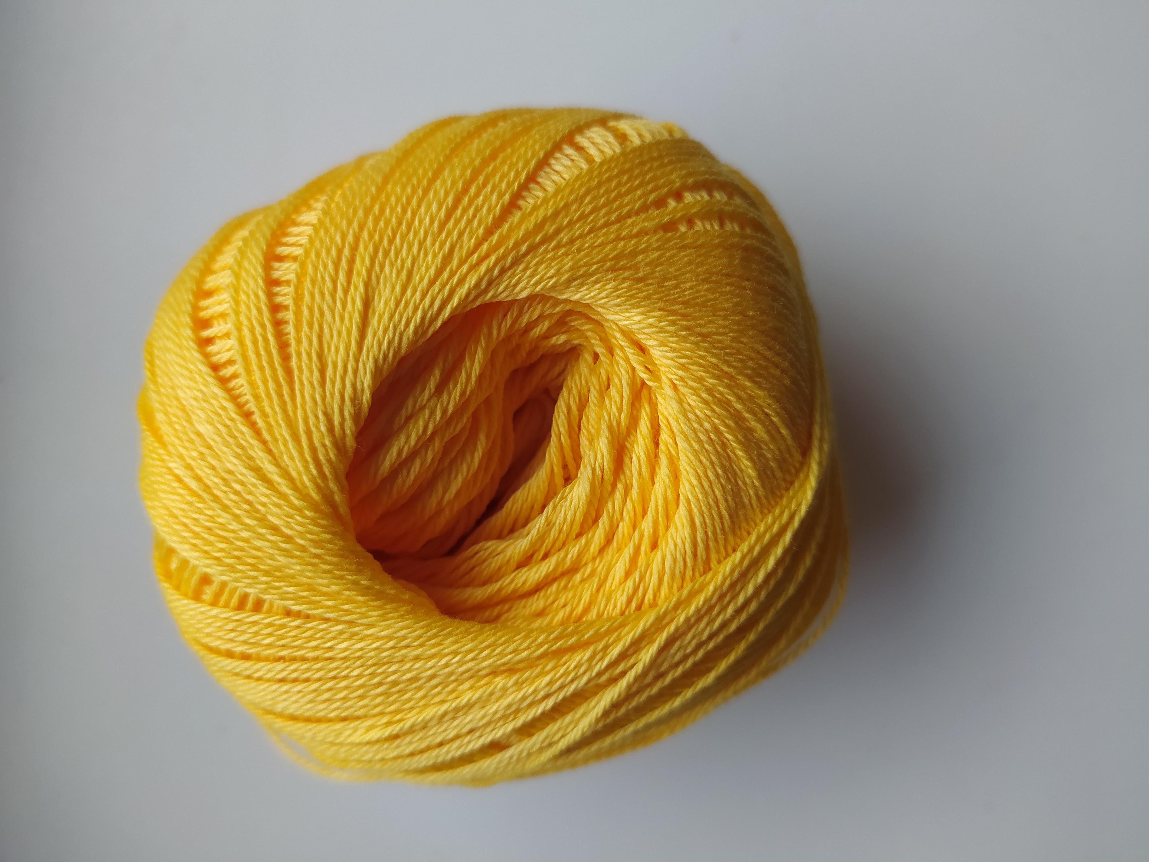 Příze Sněhurka sytě žlutá 1164