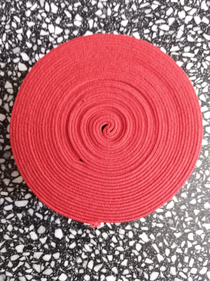 Pruženka plochá 50 mm červená