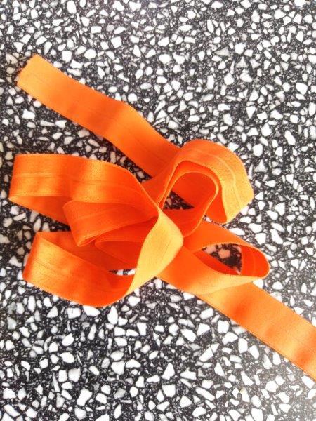 Pruženka lemovací půlená 19 mm oranžová