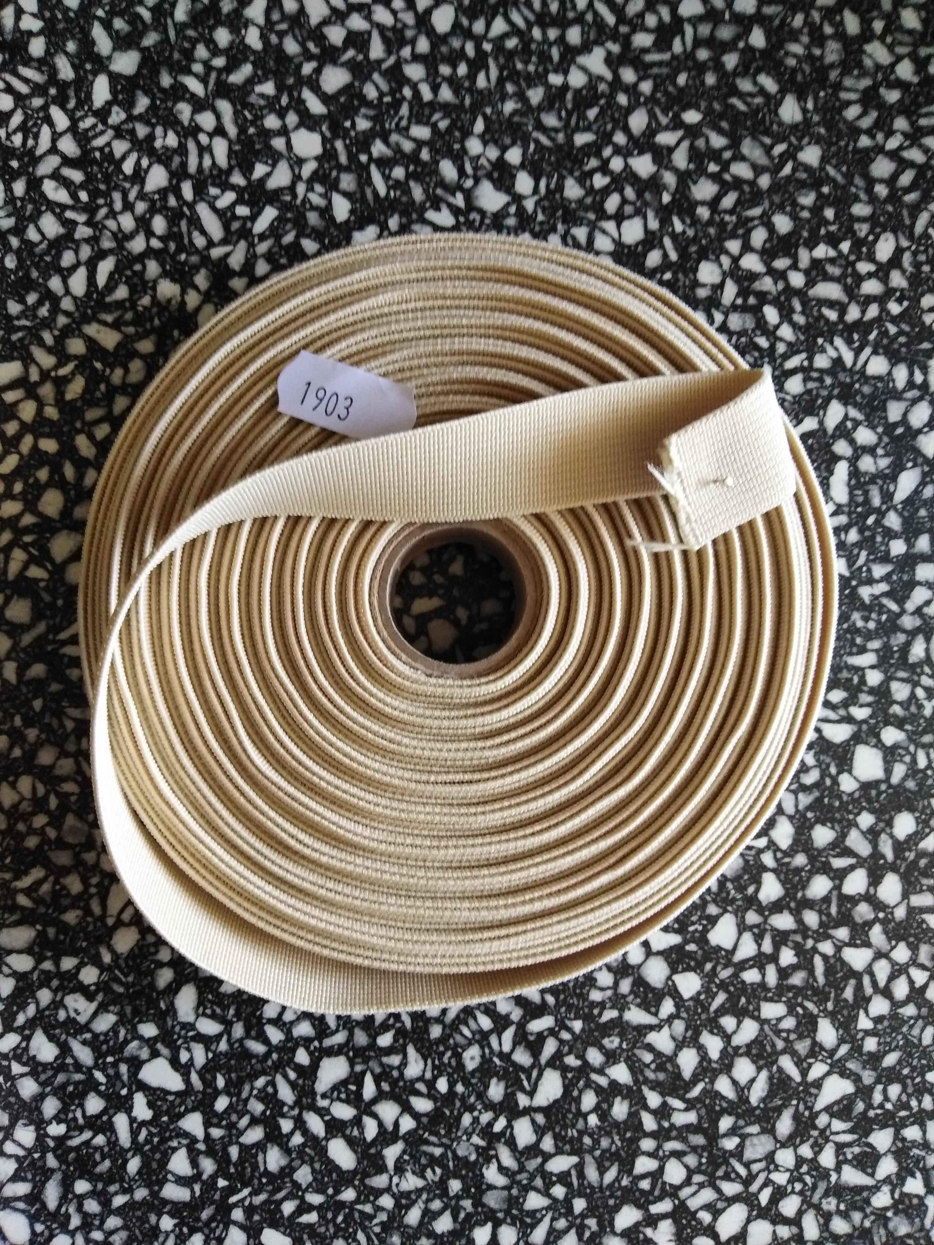 Pruženka plochá 21 mm krémová