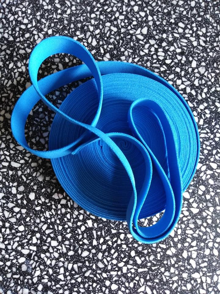 Pruženka plochá 21 mm světle modrá