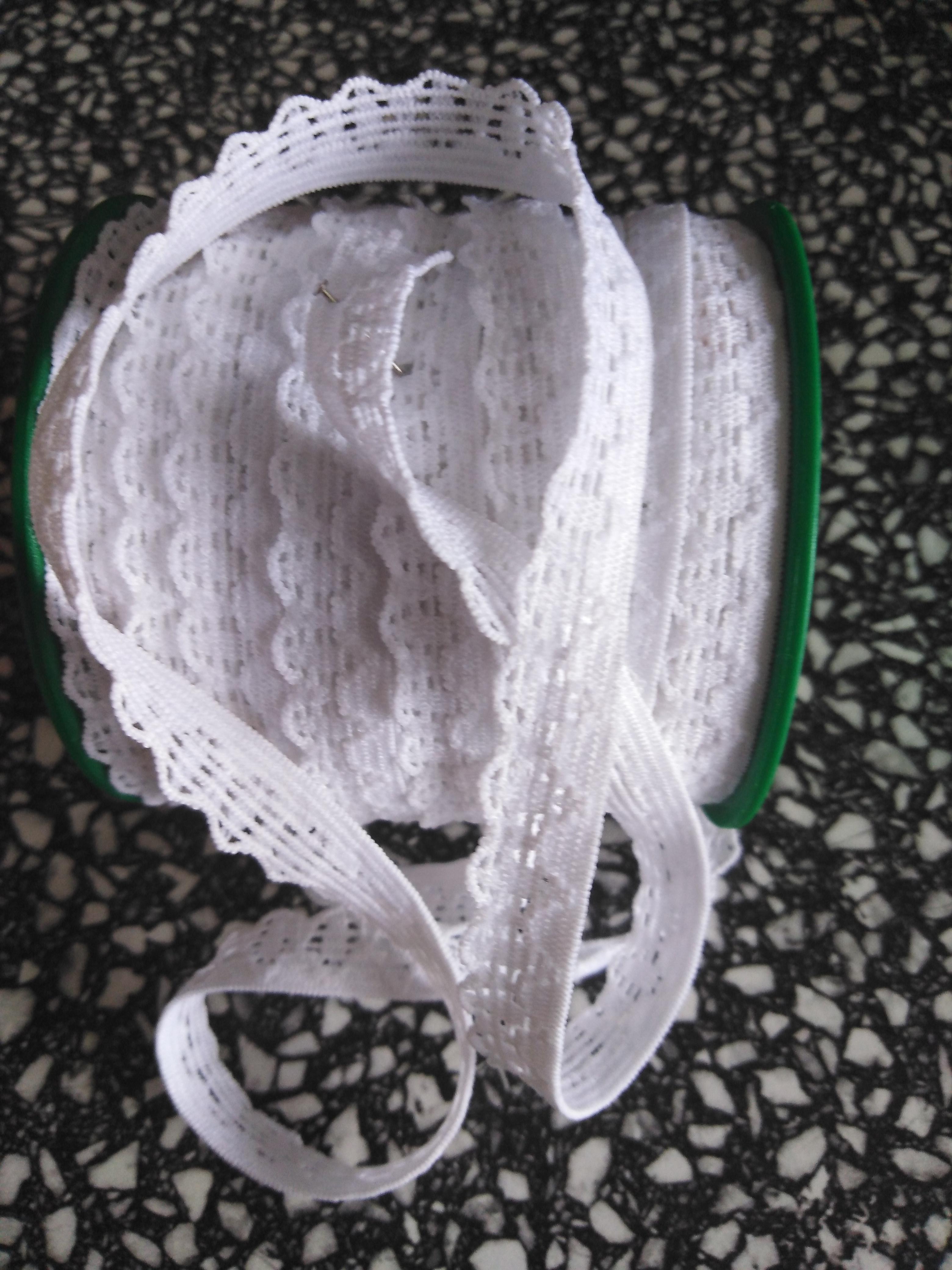 Pruženka prádlová 10 mm bílá