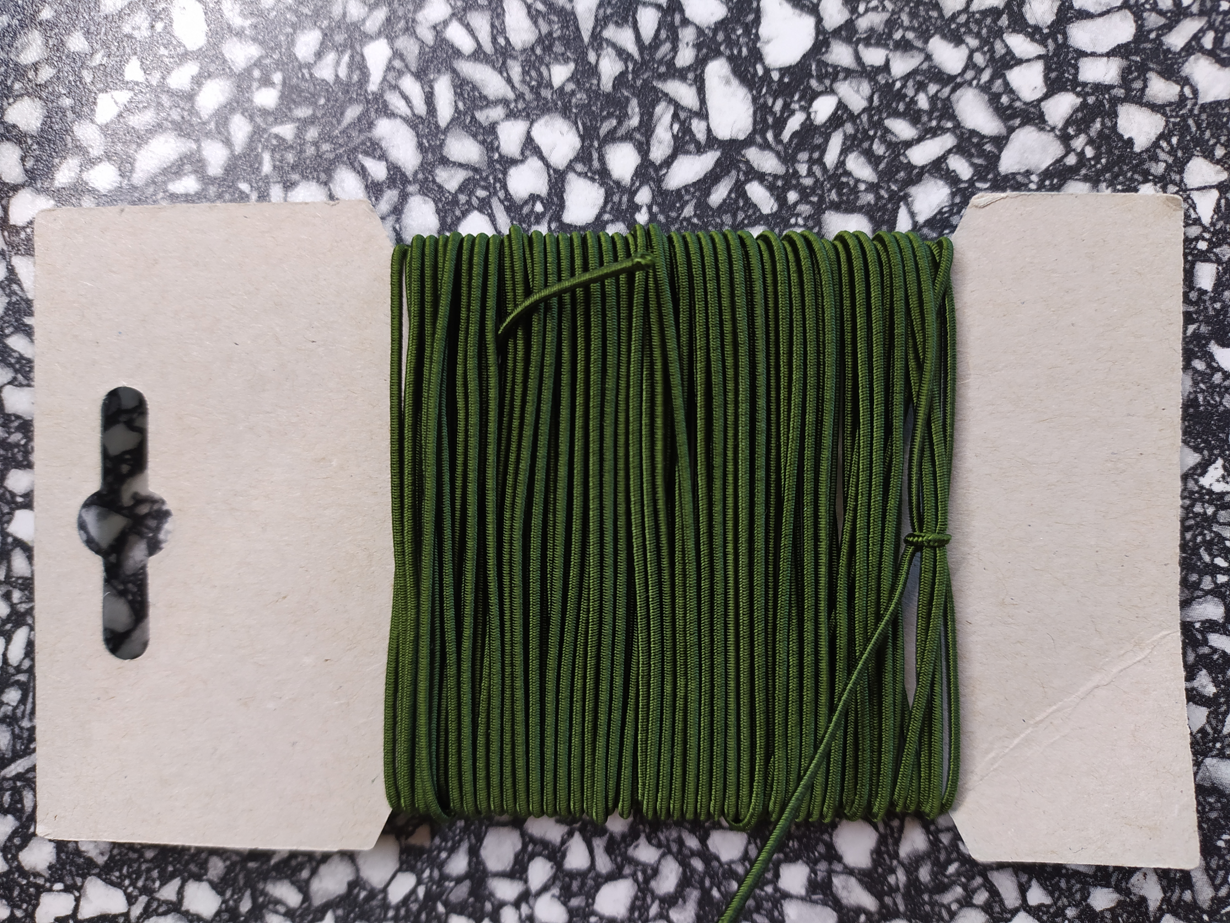 Klobouková guma 1,2 mm - karta 10 m khaki