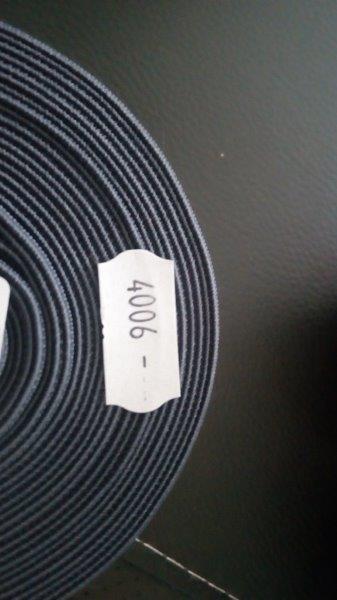 Pruženka plochá 50 mm tmavě šedá