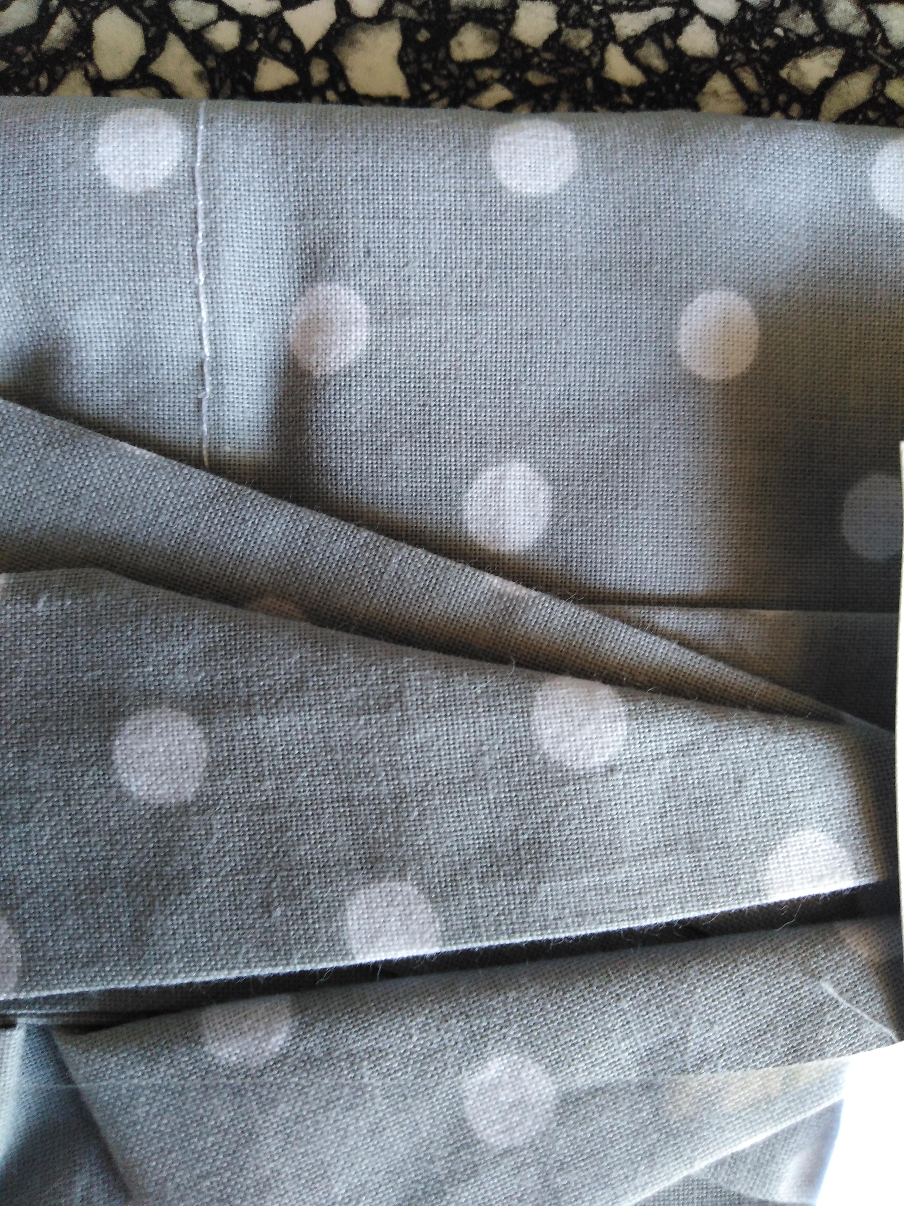 Bavlněný šátek 65 x 65 cm, šedo bílý puntík 5 mm