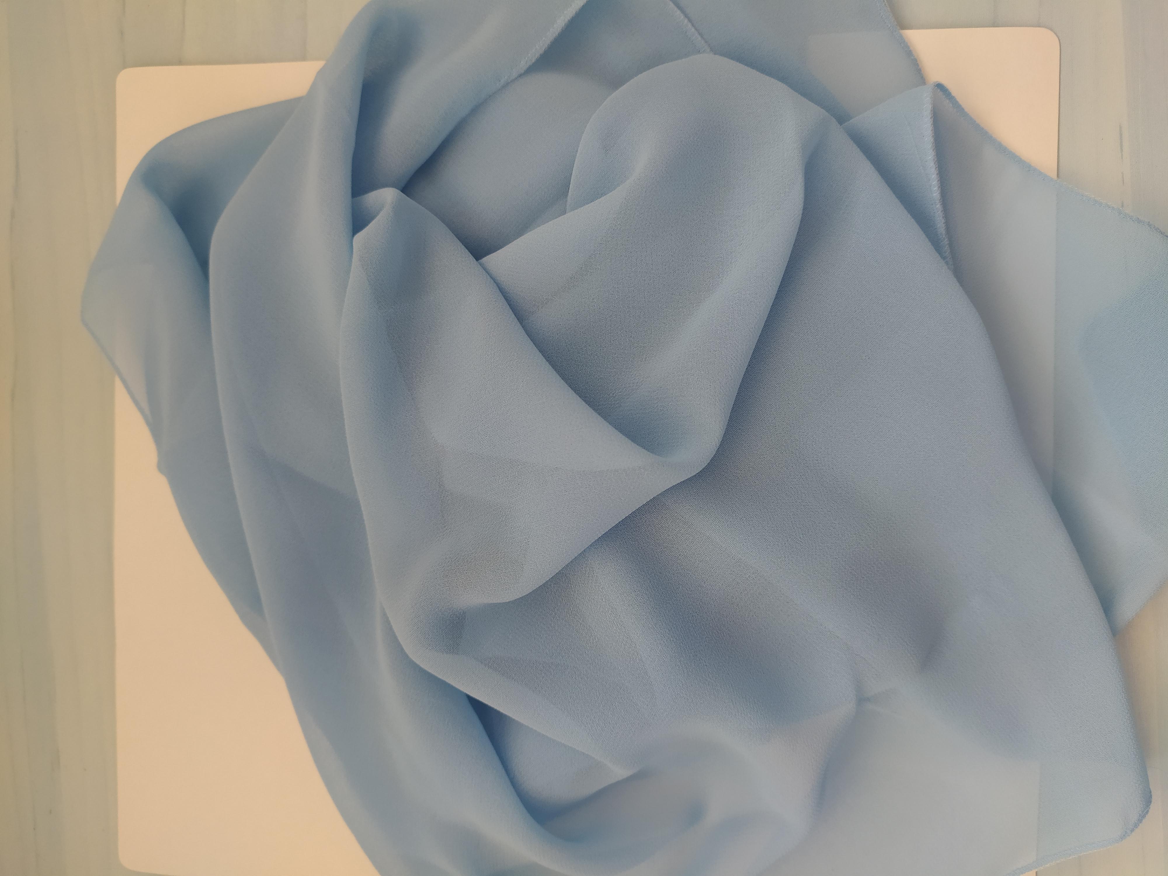 Šálka dámská 145 x 30 cm světle modrá