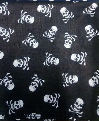 Bavlněný šátek 65 x 65 cm, lebky