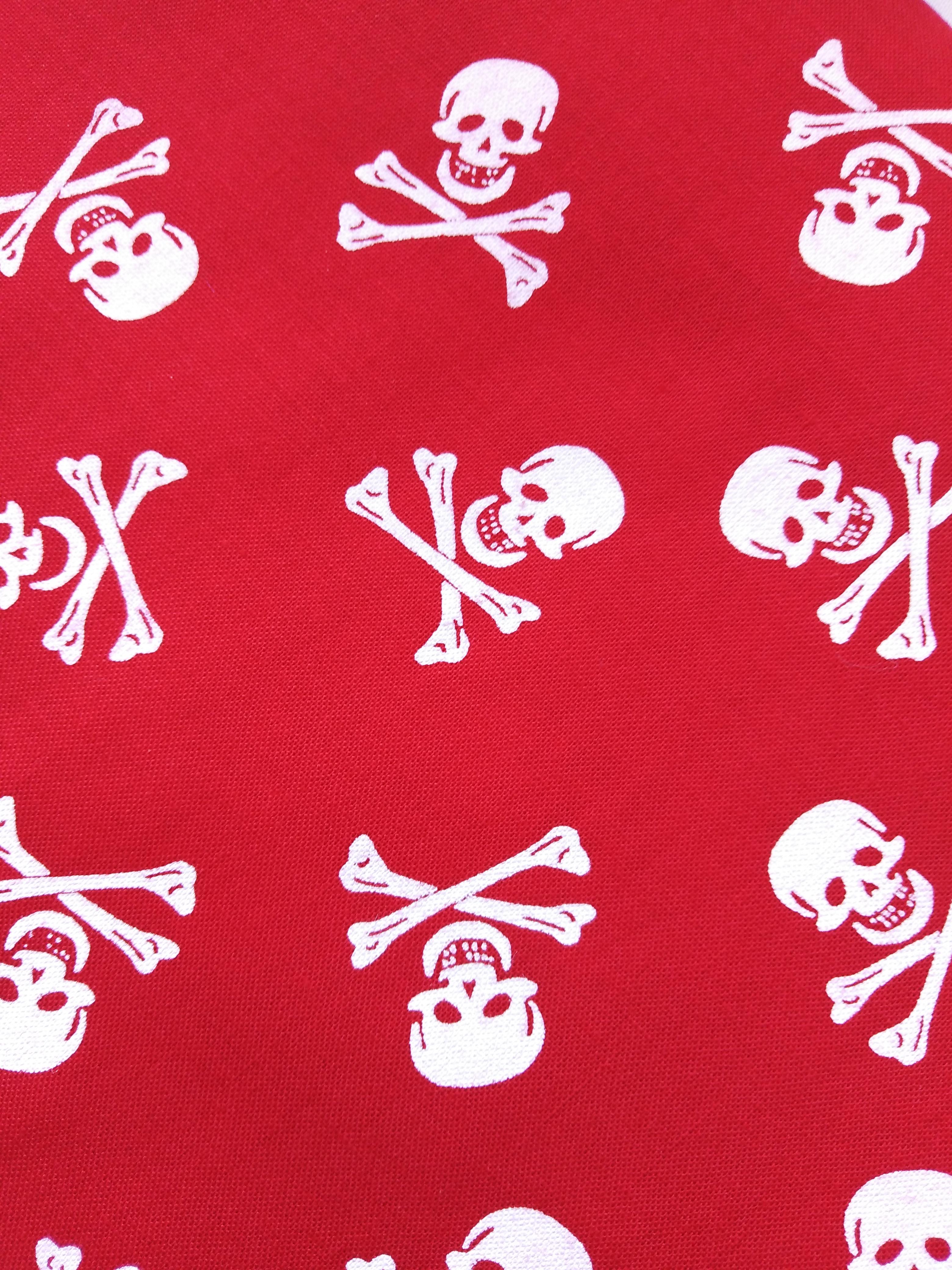Bavlněný šátek 65 x 65 cm, lebky červeno bílé
