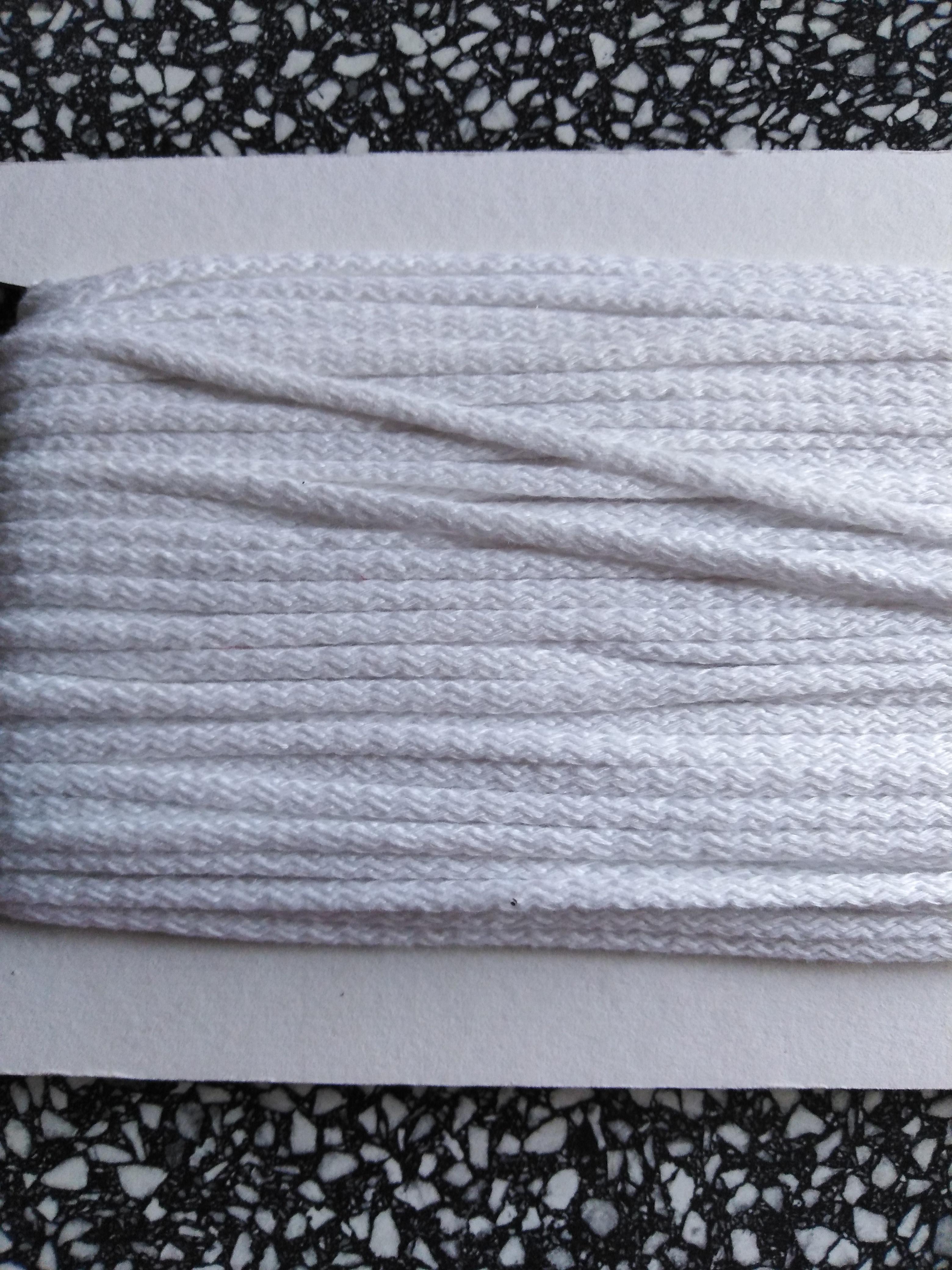 Šňůra oděvní bavlněná 4 mm bílá