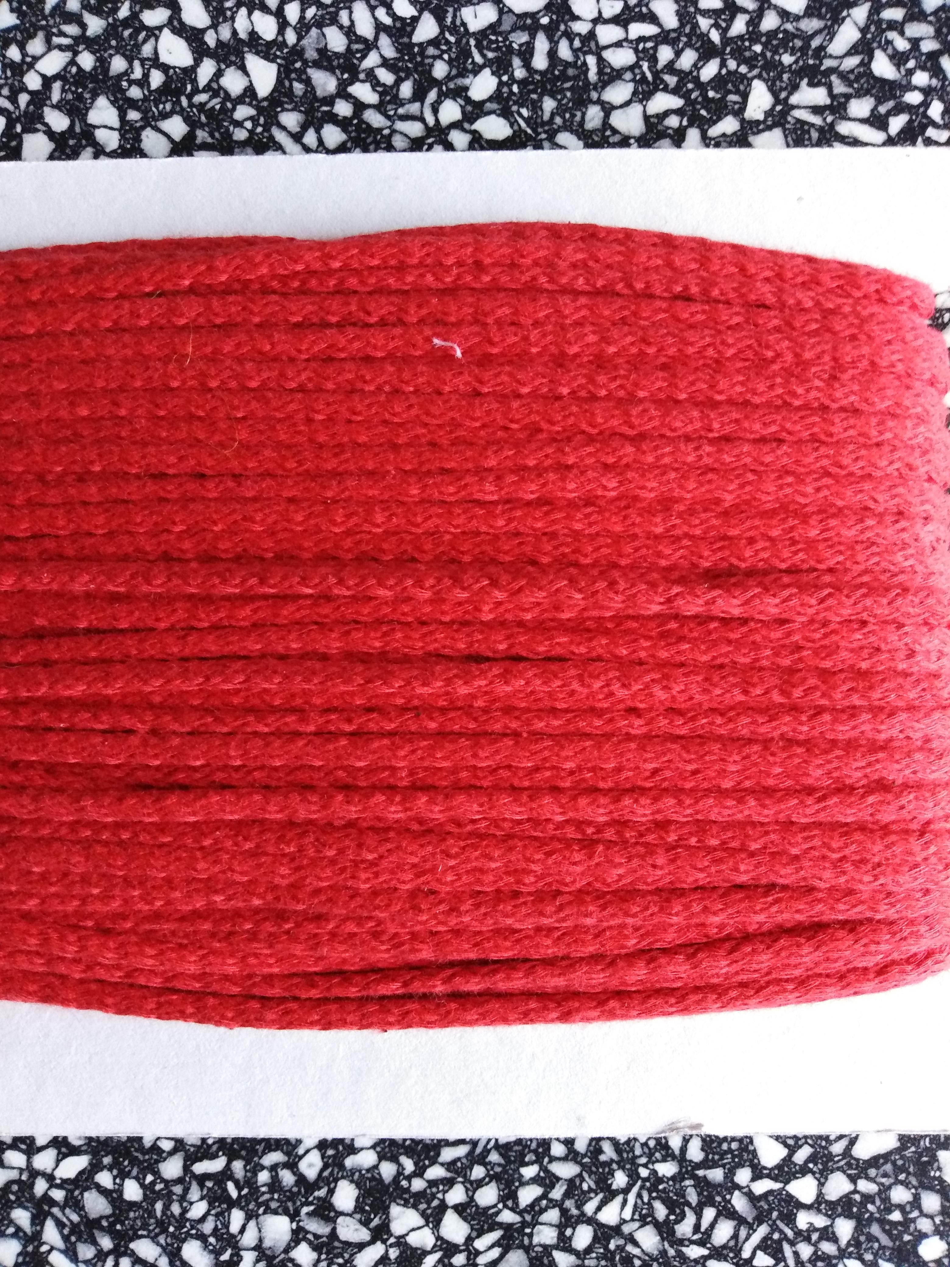 Šňůra oděvní bavlněná 4 mm červená