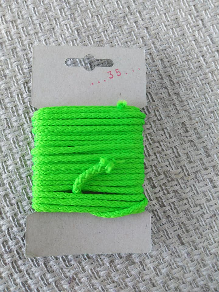 Šňůra oděvní polyesterová 4 mm karta 5 m reflexní zelená