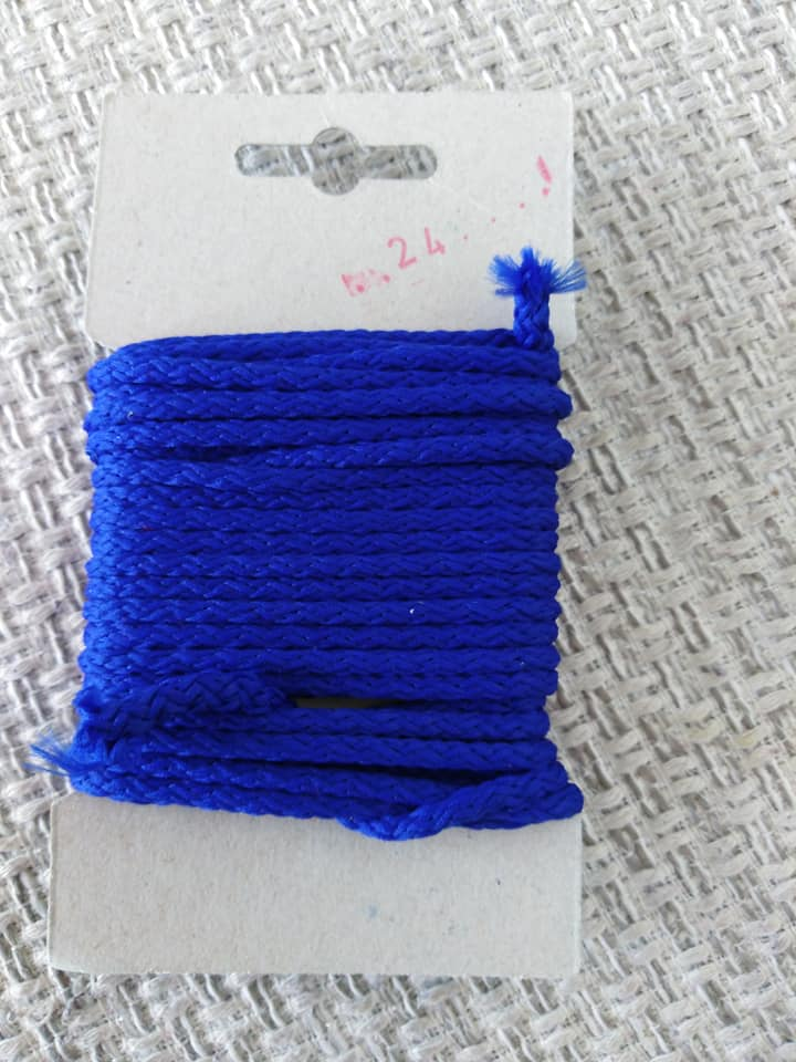 Šňůra oděvní polyesterová 4 mm karta 5 m královská modrá