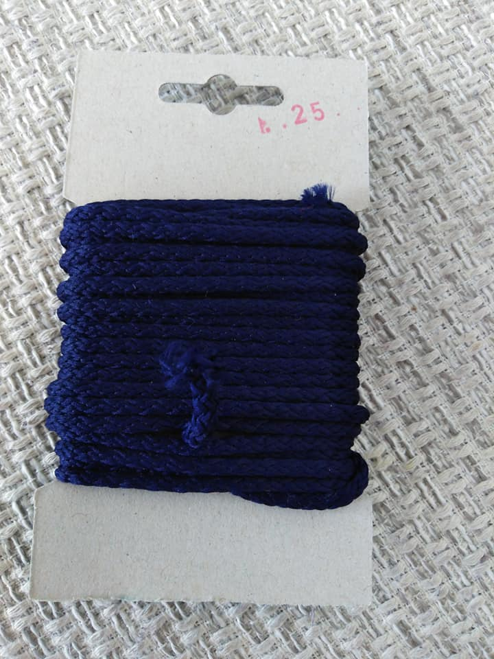 Šňůra oděvní polyesterová 4 mm karta 5 m námořnická modř