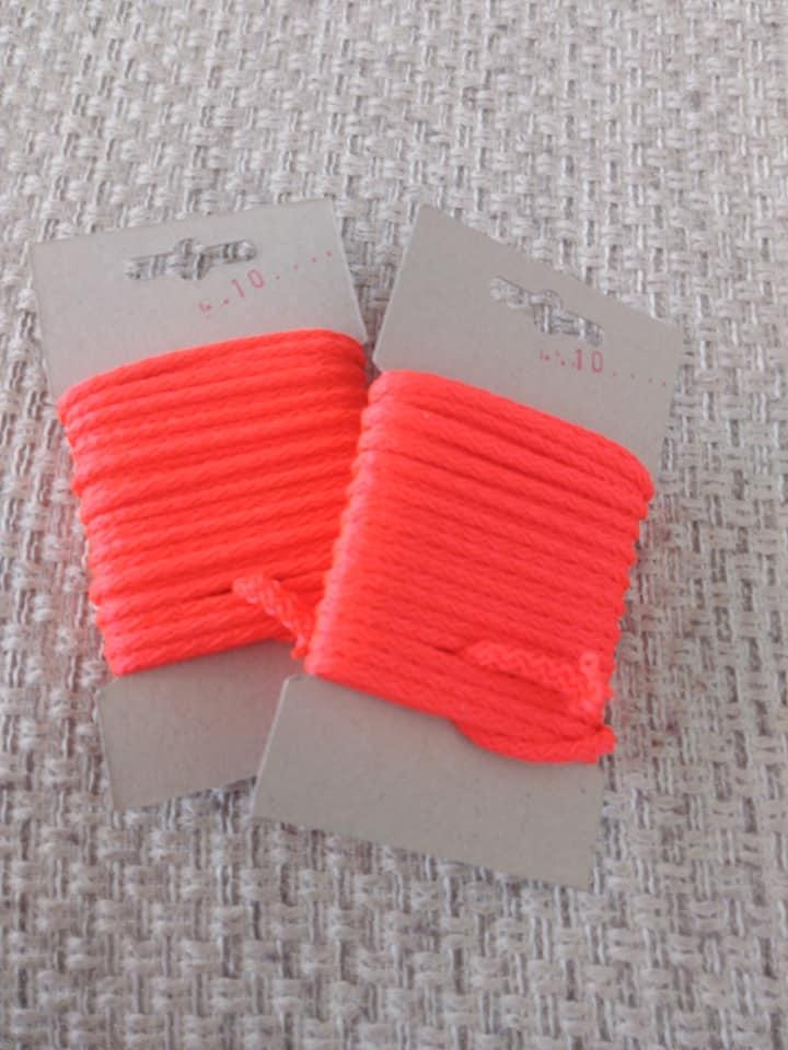 Šňůra oděvní polyesterová 4 mm karta 5 m reflexní červená