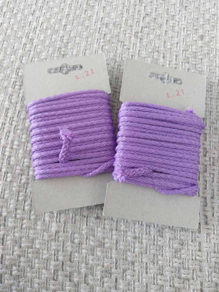 Šňůra oděvní polyesterová 4 mm karta 5 m levandulová