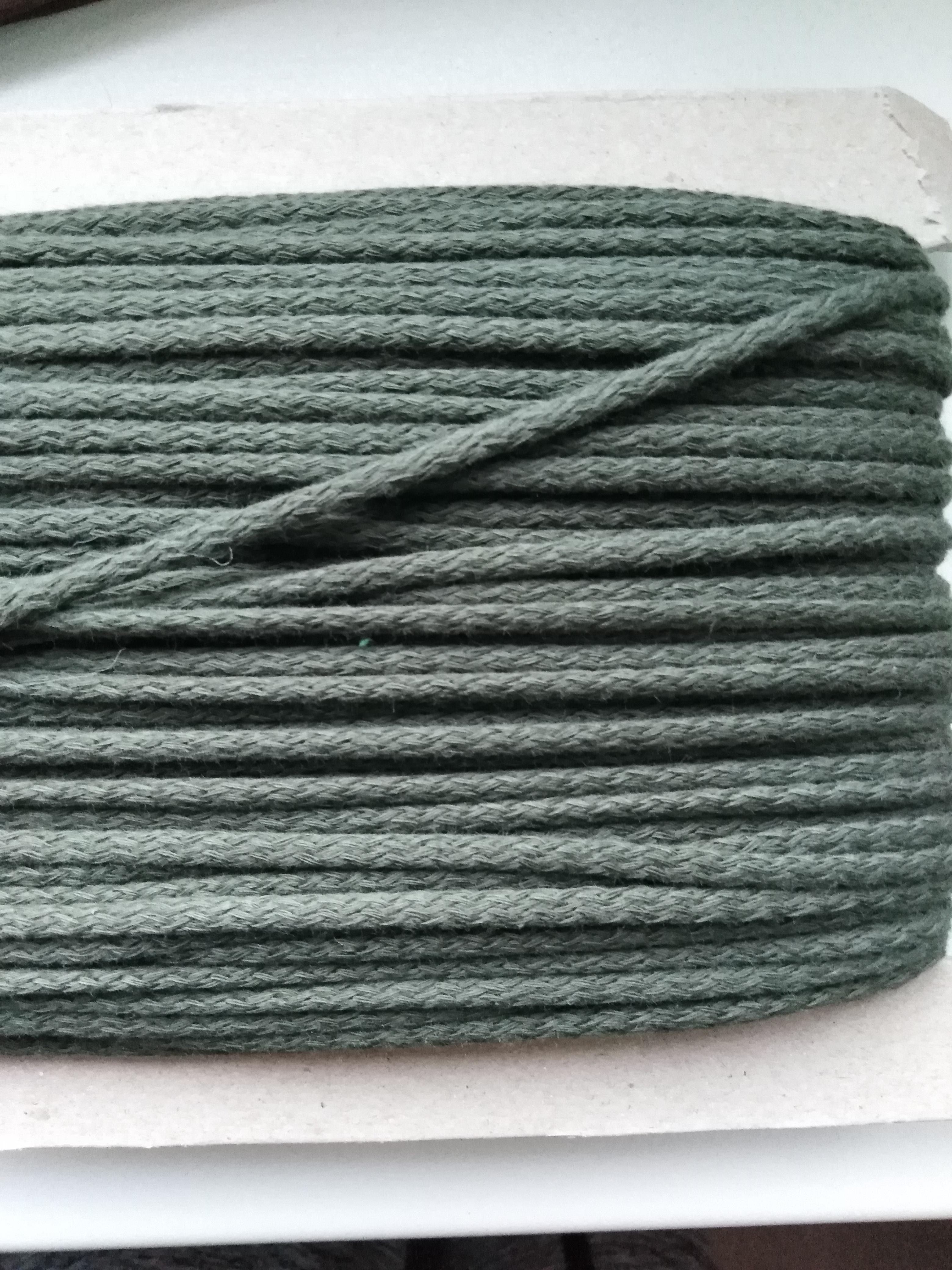Šňůra oděvní bavlněná 4 mm khaki