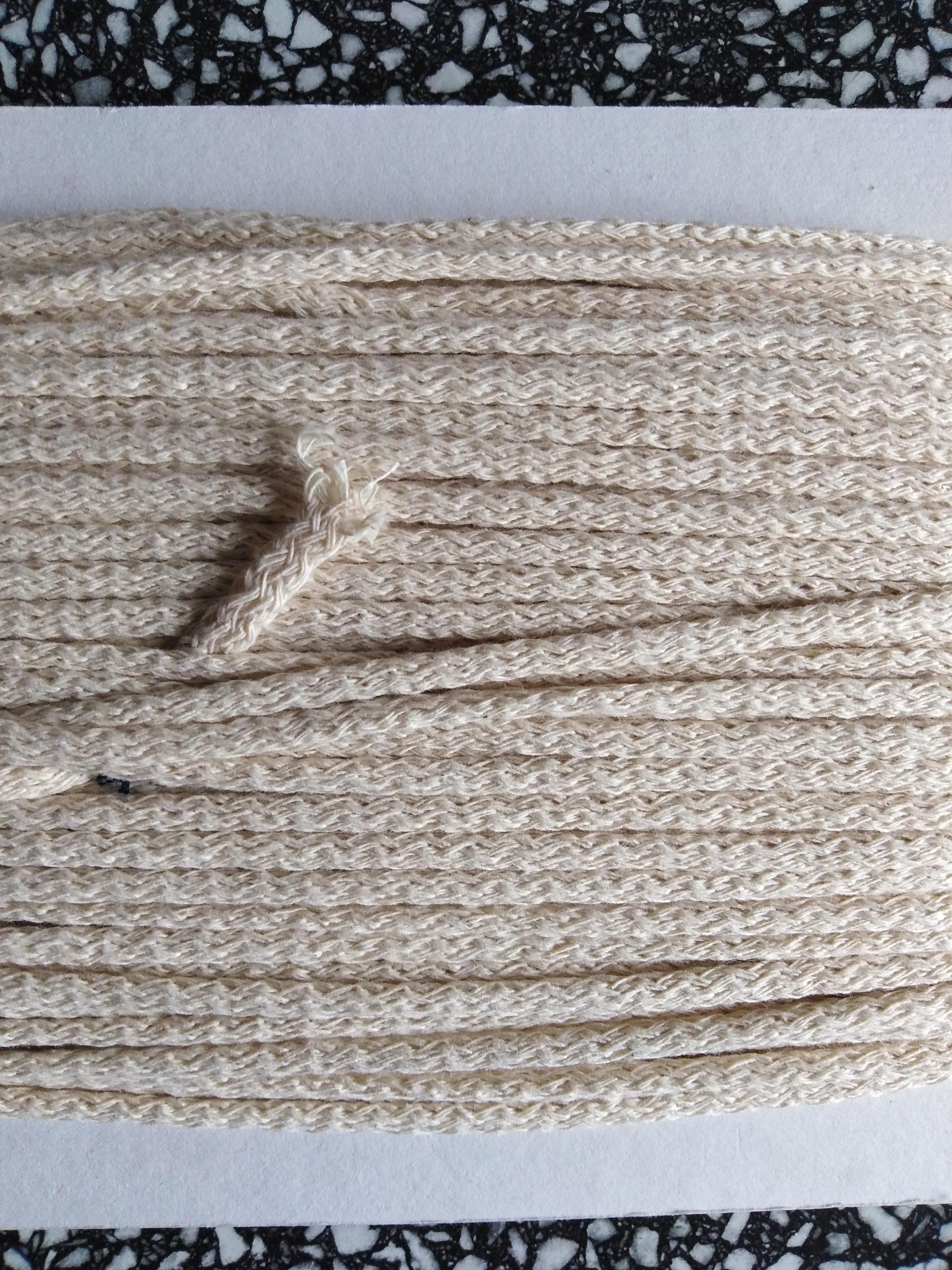 Šňůra oděvní bavlněná 4 mm krémová