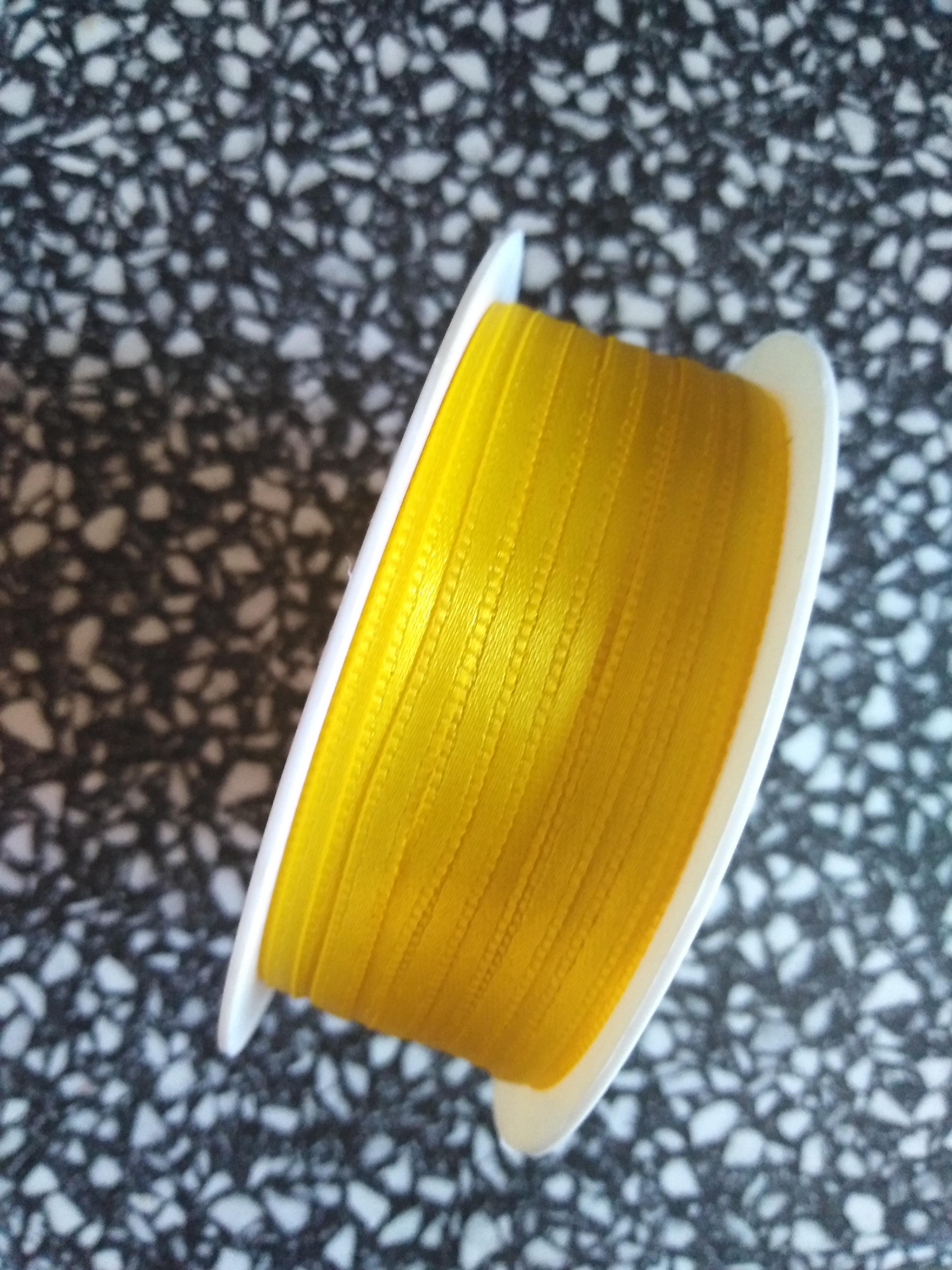 Stuha saténová 3 mm žlutá