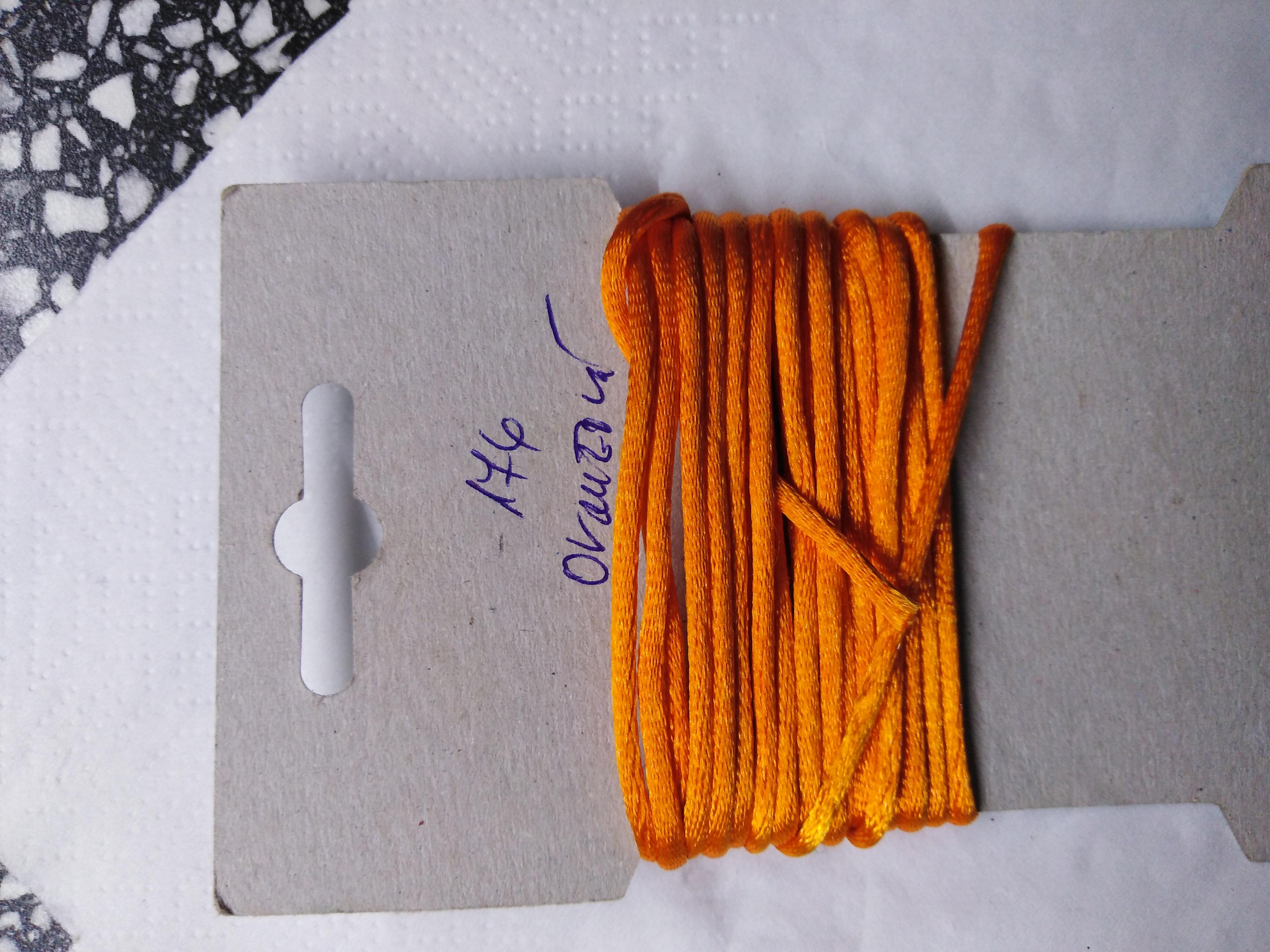 Šňůrka atlasová 2 mm oranžová