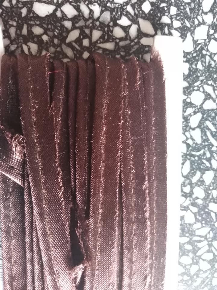 Paspulka saténová 10 mm hnědá