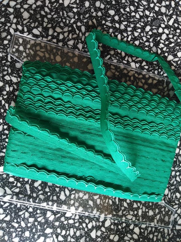 Stuha zoubková 11 mm trávová zeleň