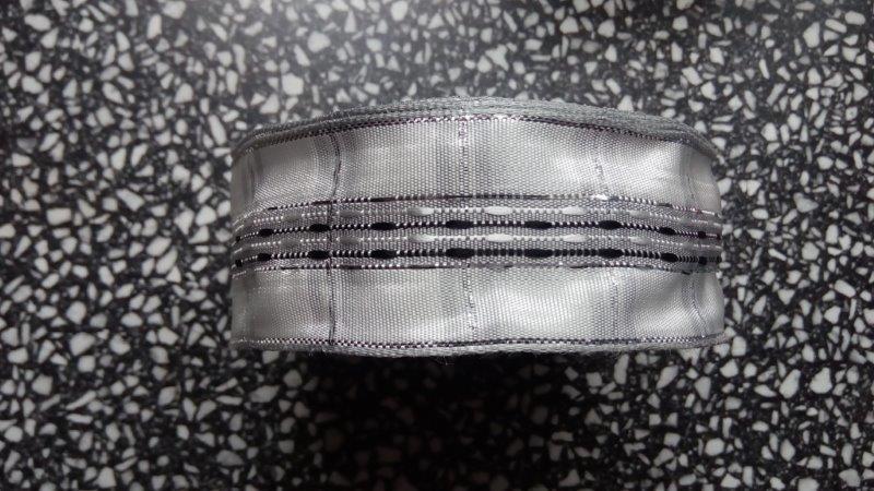 Stuha efektní s drátem 40 mm bílá stříbro