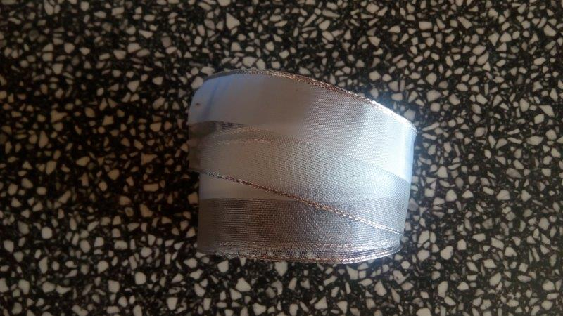 Stuha monofil s drátem 40 mm bílá stříbro