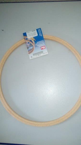 Kroužek na vyšívání 13 cm