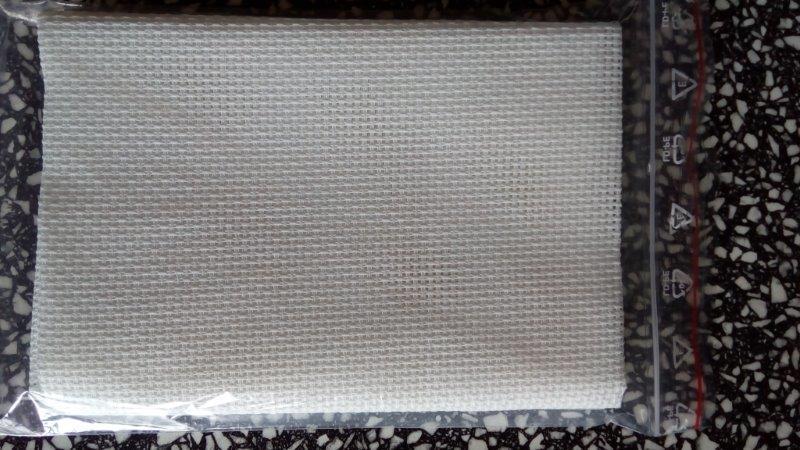 Látka na vyšívání - kanava 50 x 70 cm (56 oček/10 cm) bílá