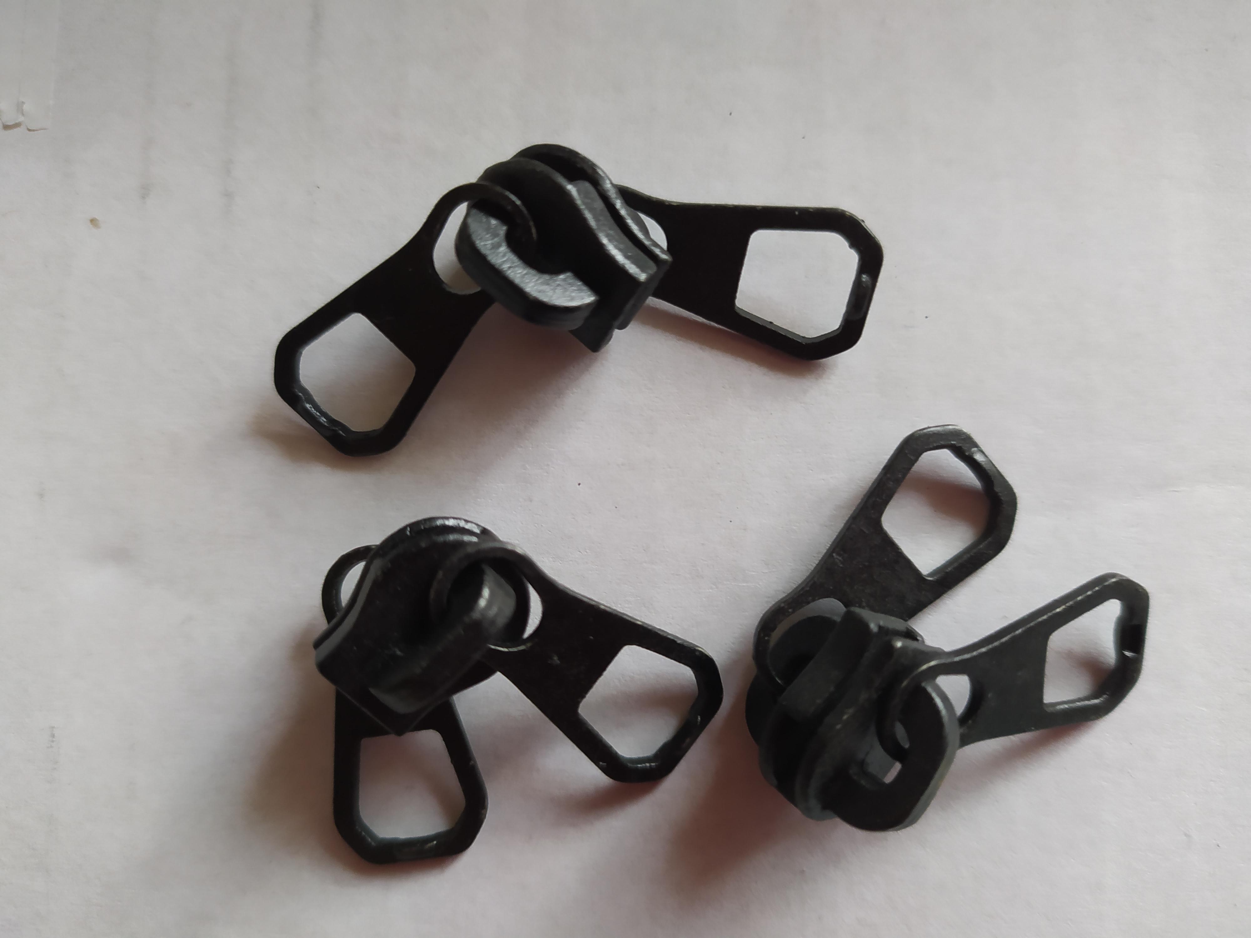 Jezdec k zipům WS10 oboustranný lakovaný černý