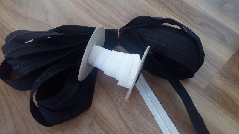 Zdrhovadlový pás - nekonečný zip WS20 9 mm černý